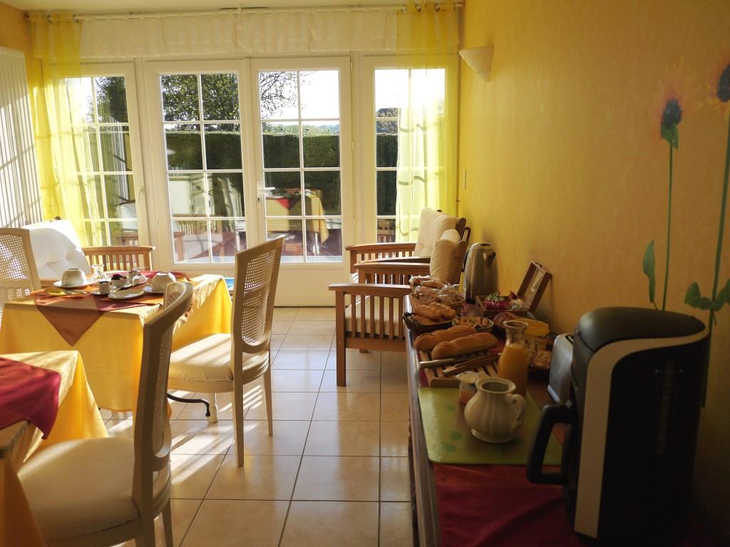17 salle petits déjeuners